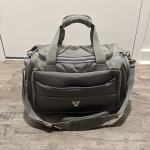 Desley duffle / carry on bag